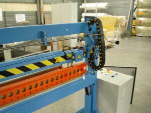 Lasbalk voor industrieel gebruik merk Farbal. Detail bedieningskast.