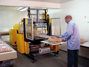 Bundel-Pakker-BP-700-CVS voor het krimpverpakken en bundelen van samengestelde producten.