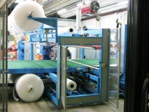 Alfatechnics Farbal Folieverpakkingsmachine, PE + bubbelfolie aan de binnenzijde, volledig gesloten verpakking, rondom geseald