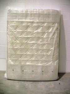 Alfatechnics Farbal matras met bubbelfolie stroken gesloten verpakking niet gekrompen, PE folie.