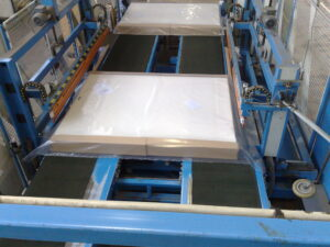 Alfatechnics Farbal folieverpakkingsmachine dwars las en langslas voor ongekrompen folieverpakking met PE folie.